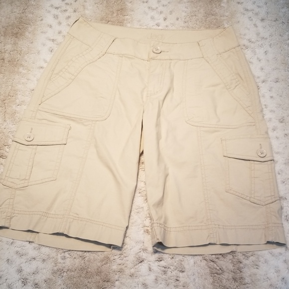 Jag Jeans Pants - Jag Jean's Cream Cargo Stretch Khaki Shorts Size 2
